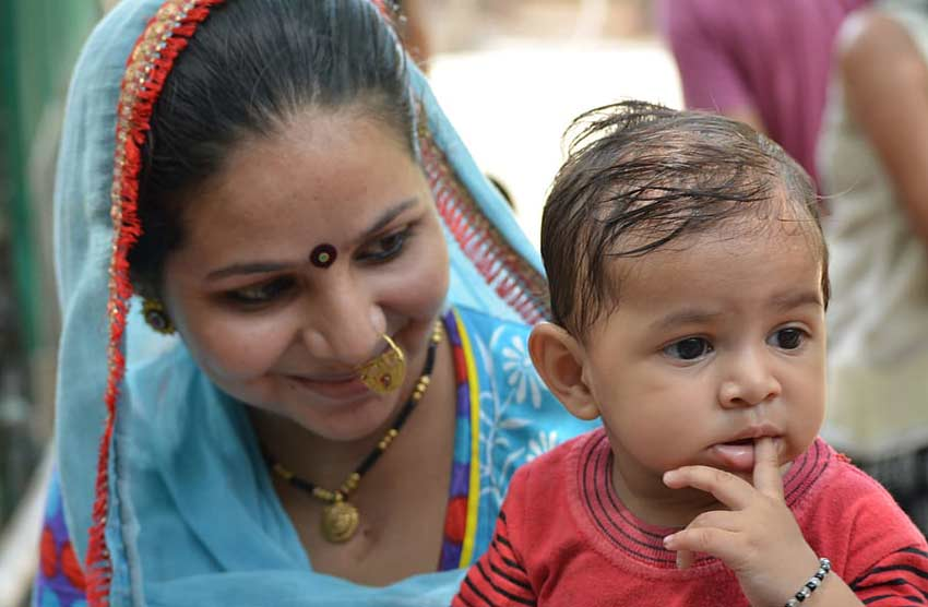 mother-son-india-family traditional indian daughter-in-law